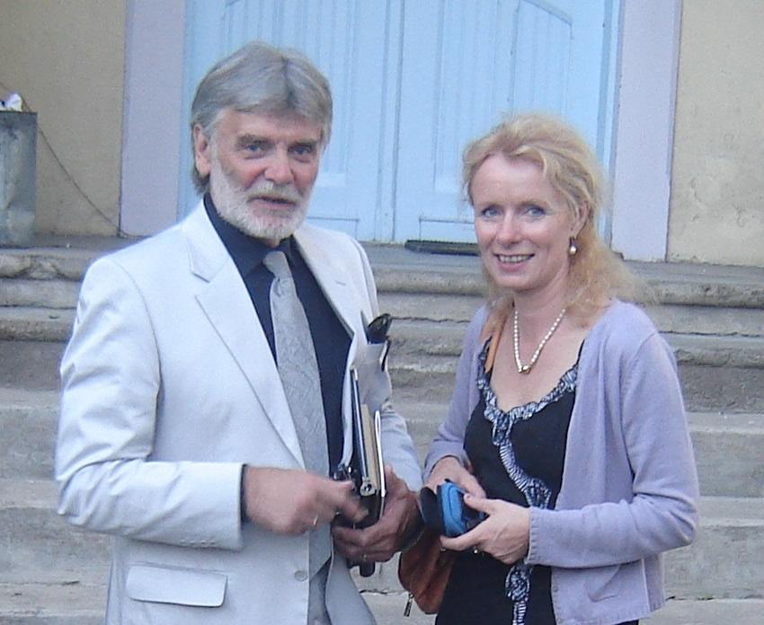 Saskia Schneider und Helmut Winkelmann in Tartu, bei einer Tournee im Baltikum